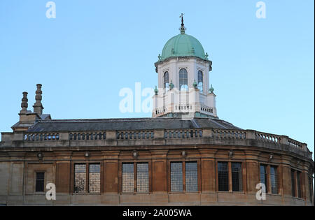 The Sheldonian Theatre in Oxford designed by Sir Christopher Wren completed in 1669. Now a concert venue and also used for degree and other ceremonies - Stock Photo