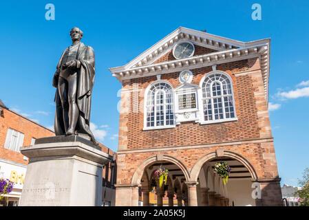 Statue of Sir Robert Peel outside Tamworth town hall Market place Tamworth town Staffordshire England UK GB UK Europe - Stock Photo
