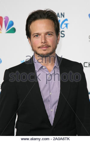 Pasadena, CA - Scott Wolf arrives at the 2012 American Giving Awards, presented by Chase, held at the Pasadena Civic Auditorium. AKM-GSI December 7, 2012 - Stock Photo