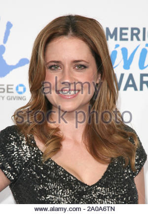 Pasadena, CA - Jenna Fischer arrives at the 2012 American Giving Awards, presented by Chase, held at the Pasadena Civic Auditorium. AKM-GSI December 7, 2012 - Stock Photo