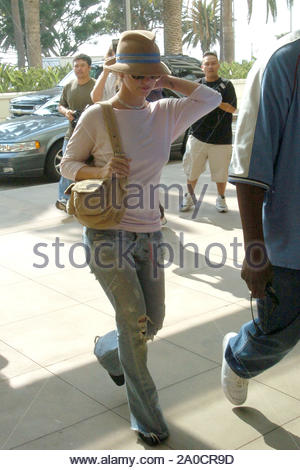 Santa Monica, CA - Britney Spears exits Burke Williams Spa in Santa Monica to find a crowd of press waiting to greet her. Britney was getting her final appointments in order so she can be ready for her big wedding day with Kevin Federline. GSI Media September 18, 2004 - Stock Photo