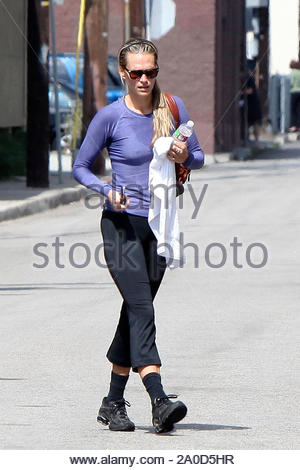Studio City, CA - A sweaty Molly Sims hits up her local gym to get a workout in and keep that former model body in shape. Molly is currently the face of ZICO Pure Premium Coconut Water and launched a new billboard campaign in the search of who's 'natural enough to replace Molly Sims' in New York. GSI Media June 10, 2010 - Stock Photo