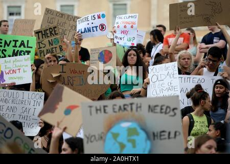 Athens, Greece. 20th Sep, 2019. Climate protesters demonstrate in the center of Athens. Protesters around the world joined rallies on Friday as a day of worldwide demonstrations calling for action against climate change began ahead of a U.N. summit in New York. (Credit Image: © Aristidis VafeiadakisZUMA Wire) Credit: ZUMA Press, Inc./Alamy Live News - Stock Photo