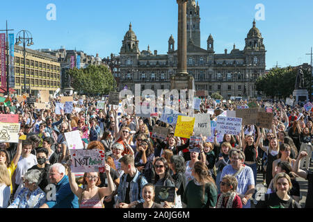 Glasgow, UK. 20 September 2019. Several thousand turned out to take part in the 'Scottish Youth Climate Strikers' march from Kelvingrove Park, through the city to an assembly in George Square to draw attention to the need for action against climate change. This parade was only one of a number  that were taking place across the United Kingdom as part of a coordinated day of action. Credit: Findlay / Alamy News. - Stock Photo