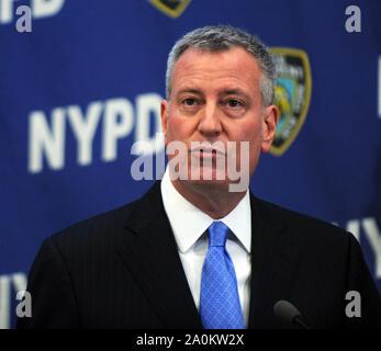 NEW YORK, NY - FEBRUARY 23: New York Mayor Bill de Blasio and Police Commissioner William Bratton announce CompStat 2.0 NYPD HQ on February 23, 2016 in New York City  People:  Bill de Blasio - Stock Photo