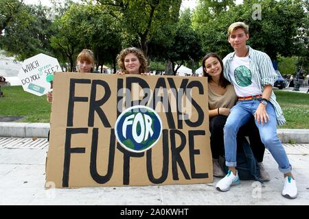 Athens, Greece. 20th Sep, 2019. Climate protesters demonstrate in the center of Athens. Protesters around the world joined rallies on Friday as a day of worldwide demonstrations calling for action against climate change began ahead of a U.N. summit in New York. (Credit Image: © Aristidis VafeiadakisZUMA Wire) - Stock Photo