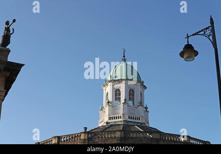 dome of the Sheldonian Theatre Oxford designed by Sir Christopher Wren completed in 1669 Today a concert venue also used for the degree ceremonies - Stock Photo