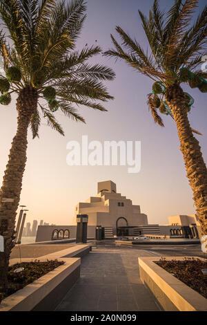 Palm framed Museum of Islamic Art, Doha, Qatar - Stock Photo