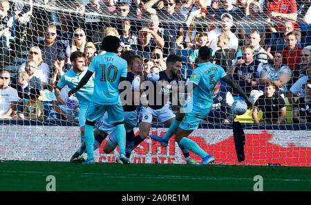 London, UK. 21st Sep, 2019. Tom Bradshaw of Millwall scores during English Sky Bet Championship between Millwall and Queens Park Rangers at The Den, London, England on 21 September 2019 Credit: Action Foto Sport/Alamy Live News - Stock Photo