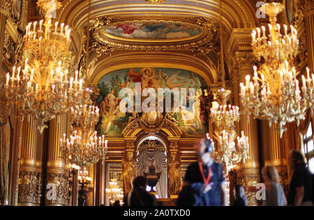 Paris, France. 21st Sep, 2019. People visit the Paris Opera Theater during the European Heritage Days in Paris, France, Sept. 21, 2019. Historical heritage sites are open to public this weekend in France to mark the European Heritages Days, which are held in September each year. The European Heritages Days are the most widely celebrated participatory cultural event shared by the citizens of Europe. Credit: Gao Jing/Xinhua/Alamy Live News - Stock Photo