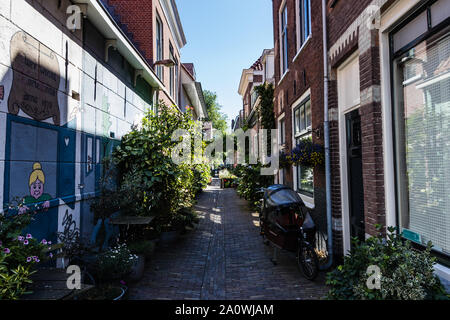 Korte Annastraat, a small and quiet street in the historical center of Haarlem - Stock Photo