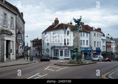 Lewes High Street and Memorial. Lewes, East Sussex, England - Stock Photo