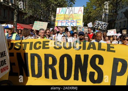 Paris, France. 21st Sep, 2019. Cyril Dion, Lambert Wilson and Jean-Baptiste Reddé attend at the demonstration for climate and biodiversity. - Stock Photo
