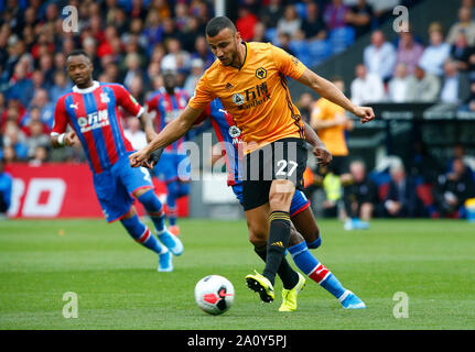 London, UK. 22nd Sep, 2019. Wolverhampton Wanderers' Romain Saiss during English Premier League between Crystal Palace and Wolverhampton Wanderers at Selhurst Park Stadium, London, England on 22 September 2019 Credit: Action Foto Sport/Alamy Live News - Stock Photo