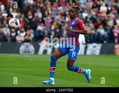 London, UK. 22nd Sep, 2019. Crystal Palace's Wilfried Zaha during English Precr11mier League between Crystal Palace and Wolverhampton Wanderers at Selhurst Park Stadium, London, England on 22 September 2019 Credit: Action Foto Sport/Alamy Live News - Stock Photo