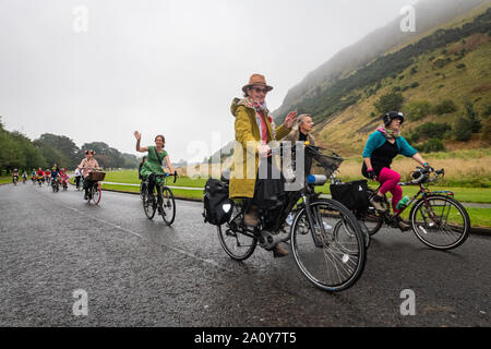 Edinburgh, Scotland. Sunday 22nd September 2019. Participants at the Fancy Women Bike Ride event in Edinburgh, Scotland. Fancy Women Bike Ride is an annual women-only cycling event held on the World Car Free Day. Fancy Women Bike Ride is an event for women, organized by women to remember the liberating joy of cycling and to inspire more women to use the bicycle in the cities.  The Fancy Women Bike Ride was born in 2013 in Izmir, Turkey and became a global women's movement. Every year, Fancy Women Bike Ride is held on World Car Free Day in 120 cities all over the world. - Stock Photo