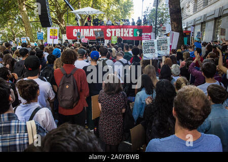 London, UK. 20 September, 2019. Thousands of students and climate campaigners listen to Leader of the Opposition Jeremy Corbyn addressing the second G - Stock Photo