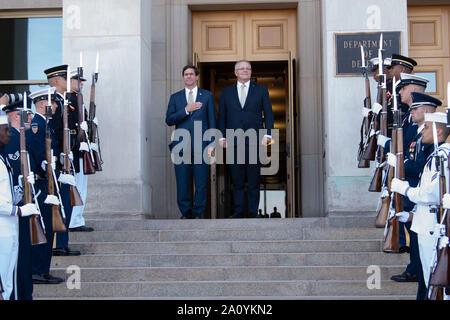 U.S. Secretary of Defense Dr. Mark T. Esper hosts Australian Prime Minister Scott Morrison for an honor cordon and bilateral meeting, at the Pentagon, Washington, D.C., Sept. 20, 2019. (DoD photo by Lisa Ferdinando) - Stock Photo