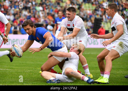 Munich, Deutschland. 22nd Sep, 2019. general game scene, action, duels . France-England. Rugby Oktoberfest 7s, invitation tournament of the national teams in the Siebener Rugby, on 22.09.2019 in Munich, Olympic Stadium. | usage worldwide Credit: dpa/Alamy Live News - Stock Photo