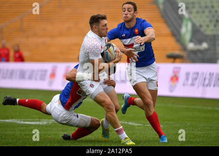 Munich, Deutschland. 22nd Sep, 2019. general game scene, action, duels . France-England. Rugby Oktoberfest 7s, invitation tournament of the national teams in the Siebener Rugby, on 22.09.2019 in Munich, Olympic Stadium.   usage worldwide Credit: dpa/Alamy Live News - Stock Photo
