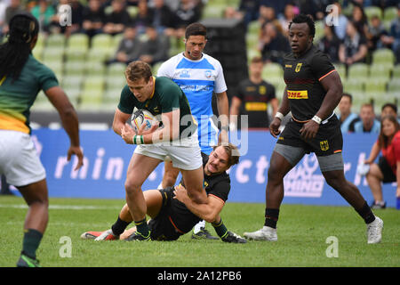 Munich, Deutschland. 22nd Sep, 2019. Action duels.Spielszene. South-Germany. Rugby Oktoberfest 7s, invitation tournament of the national teams in the Siebener Rugby, on 22.09.2019 in Munich, Olympic Stadium. | usage worldwide Credit: dpa/Alamy Live News - Stock Photo