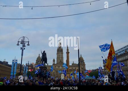 Day before the 2014 Scottish Independence Referendum. Scottish Independence Rally, George Square, Glasgow. - Stock Photo