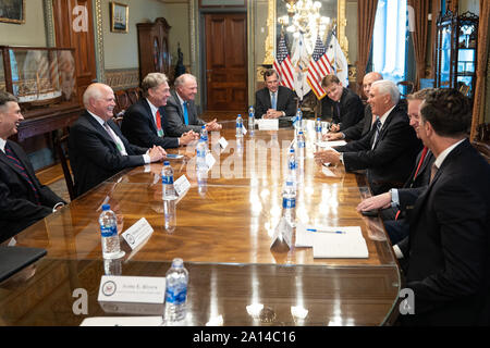 Washington, United States Of America. 17th Sep, 2019. Vice President Mike Pence meets with executives of the National Automobile Dealers Association Tuesday, Sept. 17, 2019, in the Vice PresidentÕs Ceremonial Office in the Eisenhower Executive Office Building of the White House People: Vice President Mike Pence Credit: Storms Media Group/Alamy Live News - Stock Photo