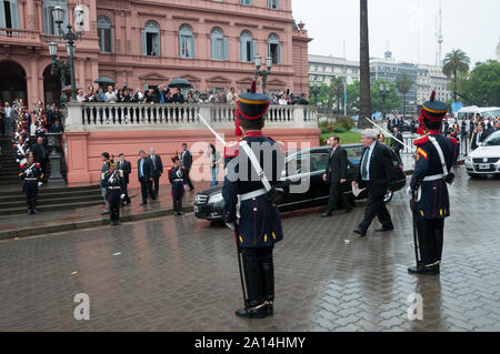 Buenos Aires, Argentina - October 27 2010: Nestor Kirchner dies in Argentina, argentinian soldiers pay tribute to the former President Nestor Kirchner - Stock Photo