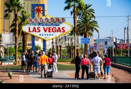 Welcome to Las Vegas - Das erste Willkommensschild der Stadt. Das bekannteste Wahrzeichen und Sehenswürdigkeit Spielerstadt Las Vegas in Nevada / USA - Stock Photo