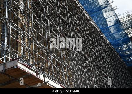 Intricate scaffolding around queen Elizabeth tower - Stock Photo
