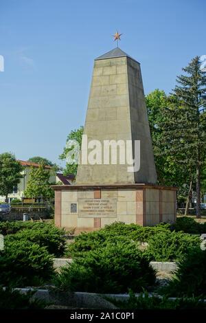 Woltersdorf, Sowjetischer Ehrenfriedhof, Grabstätte für 36 im Kampf gefallene Soldaten und Offiziere der Roten Armee - Stock Photo