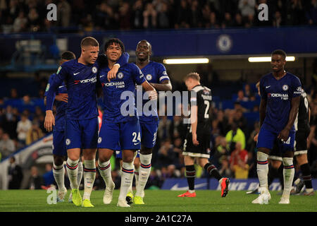 London, UK. 25th Sep, 2019. Reece James of Chelsea (24) celebrates with teammates after scoring his team's fifth goal. Carabao Cup, EFL Cup 3rd round match, Chelsea v Grimsby Town at Stamford Bridge in London on Wednesday 25th September 2019. this image may only be used for Editorial purposes. Editorial use only, license required for commercial use. No use in betting, games or a single club/league/player publications . pic by Steffan Bowen/Andrew Orchard sports photography/Alamy Live news Credit: Andrew Orchard sports photography/Alamy Live News - Stock Photo