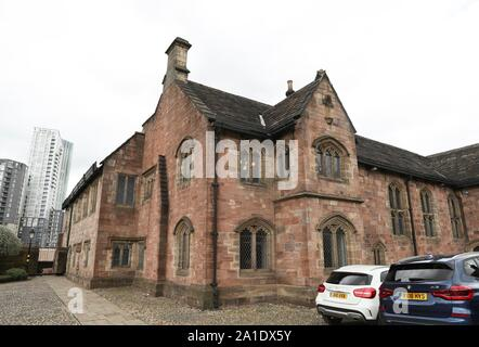 London, UK. 16th Apr, 2018. Photo taken on April 16, 2018 shows the exterior of Chetham's Library in Manchester, Britain. Credit: Han Yan/Xinhua/Alamy Live News - Stock Photo