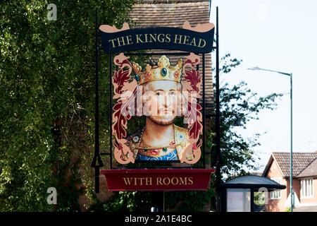 The Kings Head pub sign, Wellesbourne, Warwickshire, England, UK - Stock Photo
