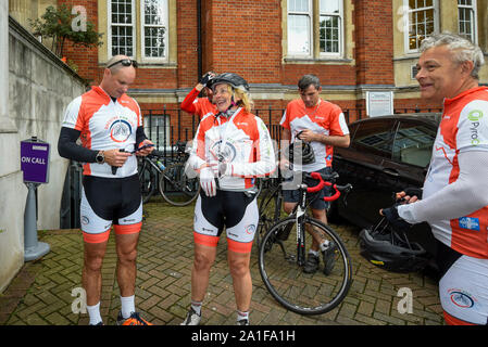 London, UK.  26 September 2019.  Former England cricket captain, Sir Andrew Strauss (L) visits The Royal Marsden during the Breathe for Life Cycle Challenge, a community cycle relay from Lands End to John O Groats, comprising engaged patients, local cycle clubs, interested individuals, doctors and nurses and scientific experts.  Funds are being raised for the Ruth Strauss Foundation and ALK-positive UK Lung Cancer charity.  Sir Strauss's wife Ruth died from ALK+ lung cancer.  Credit: Stephen Chung / Alamy Live News - Stock Photo