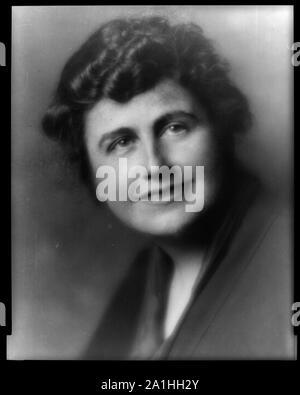 Mrs. Woodrow Wilson (Edith Bolling Galt), bust portrait, facing front - Stock Photo