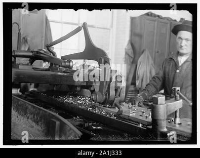 NAVY YARD, U.S., WASHINGTON. DISCS AND WORK ON THEM - Stock Photo