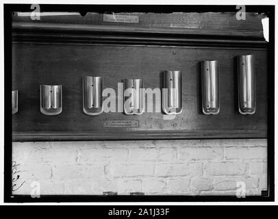 NAVY YARD, U.S., WASHINGTON. CAPS., TORPEDO SHOP - Stock Photo