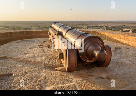 Ancient cannon in Jaisalmer fort. Rajasthan. India