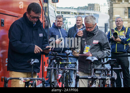 Harrogate, UK. 28th Sep, 2019. Commissaries inspect bikes of the Netherlands before the race start at the 2019 UCI Road World Championships Womens Elite Road Race. September 28, 2019 Credit Dan-Cooke/Alamy Live News - Stock Photo
