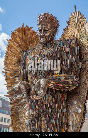The Knife Angel in Victoria Square. Representing Birmingham's determination to address knife crime and cement its reputation as a city of peace. - Stock Photo