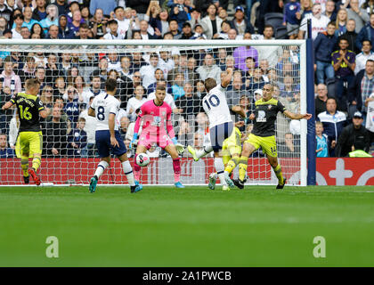 Tottenham Hotspur Stadium, London, UK. 28th Sep, 2019.English Premier League Football, Tottenham Hotspur versus Southampton; Harry Kane of Tottenham Hotspur shoots and scores his sides 2nd goal in the 43rd minute to make it 2-1- Strictly Editorial Use Only. No use with unauthorized audio, video, data, fixture lists, club/league logos or 'live' services. Online in-match use limited to 120 images, no video emulation. No use in betting, games or single club/league/player publications Credit: Action Plus Sports/Alamy Live News - Stock Photo