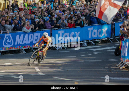 Harrogate, UK. 28th Sep, 2019. 2019 UCI Road World Championships Womens Elite Road Race. September 28, 2019 Credit Dan-Cooke/Alamy Live News - Stock Photo
