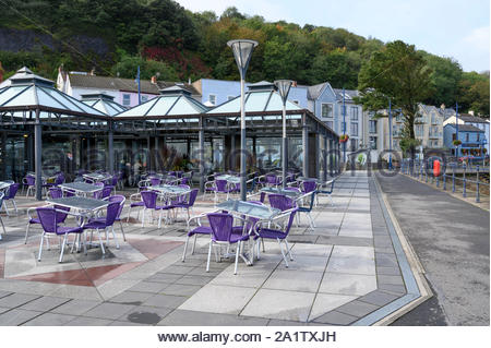 Seafront cafe, Knab Rock, Mumbles, Swansea Bay, South Wales, UK - Stock Photo