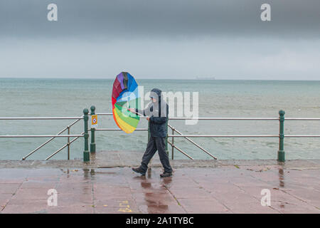 Penzance, Cornwall, UK,. 29th September 2019. Waves, wind and rain continue to to hit the residents of Penzance this morning ahead of Hurricane Lorenzo.  Credit Simon Maycock / Alamy Live News. - Stock Photo