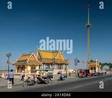 Preah Ang Dorngkeu Shrine landmark on sisowath quay in riverside area of downtown phnom penh city cambodia - Stock Photo