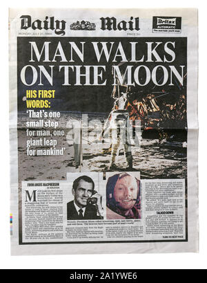 The front page of the Daily Mail from 21 July 1969 with the headline Man Walks on the Moon - Stock Photo