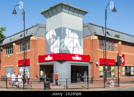 Entrance to Wilko DIY & household goods store, Cotham Street, St Helens, Merseyside, England, United Kingdom - Stock Photo