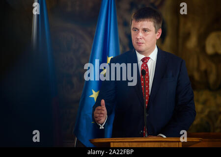 Prague, Czech Republic. 30th Sep, 2019. Tomas Petricek, Foreign Minister of the Czech Republic, speaks to the journalists after joint talks with his German counterpart during a press conference. Credit: Gregor Fischer/dpa/Alamy Live News - Stock Photo
