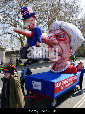 Theresa May effigy at a Brexit 'Remain' protest at Parliament in London, April 2019.Brexit is the process of the withdrawal of the United Kingdom (UK) from the European Union (EU). Following a referendum held on 23 June 2016 in which 51.9 per cent of those voting supported leaving the EU - Stock Photo